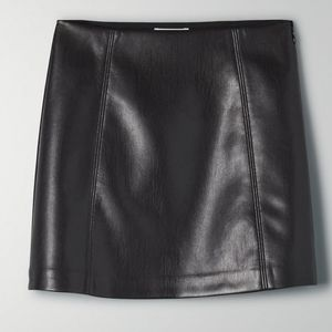 NWOT Babaton Modern Mini Skirt